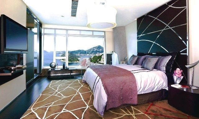 Master Bed - Serviced Apartment